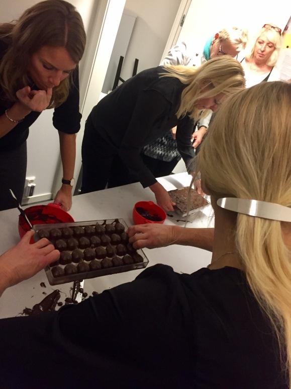 Chokladtillverkning har varit en av aktiviteterna på jobbet
