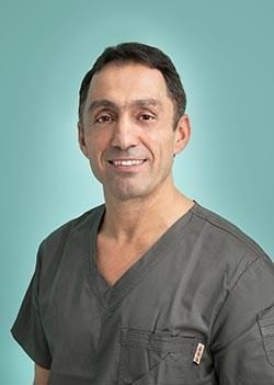 Reza Aslani, ögonplastikkirurg